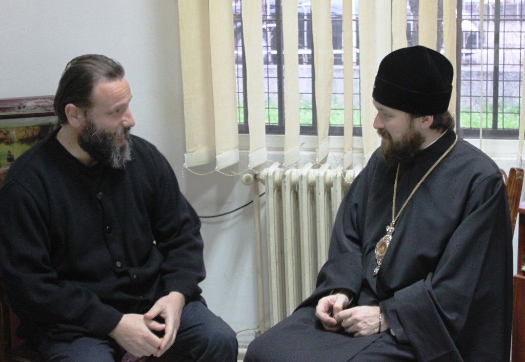 Macedonia : Detained Archbishop Jovan VI of Ohrid visited by Metropolitan Hilarion of Russian during Nativity and New Year season.